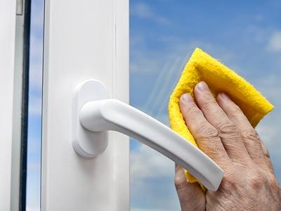 Jak zabezpieczyć okna na zimę?