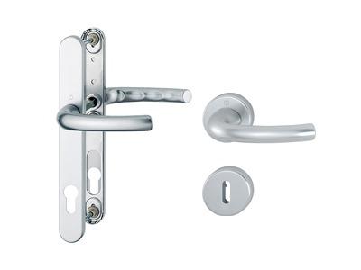 Długi szyld czy dzielony - jaką klamkę wybrać?
