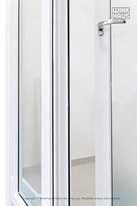 Drzwi balkonowe dwuskrzydłowe ze słupkiem ruchomym z wolnym wrębem okuciowym. W tym przypadku najlepiej zastosować zatrzask balkonowy BK BN