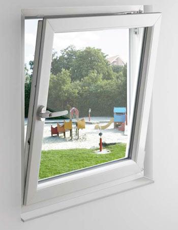 Okno z okuciem activPilot w wersji Tilt First - odwrócona kolejność otwierania